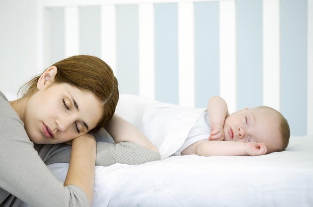 Как уложить новорожденного ребенка спать