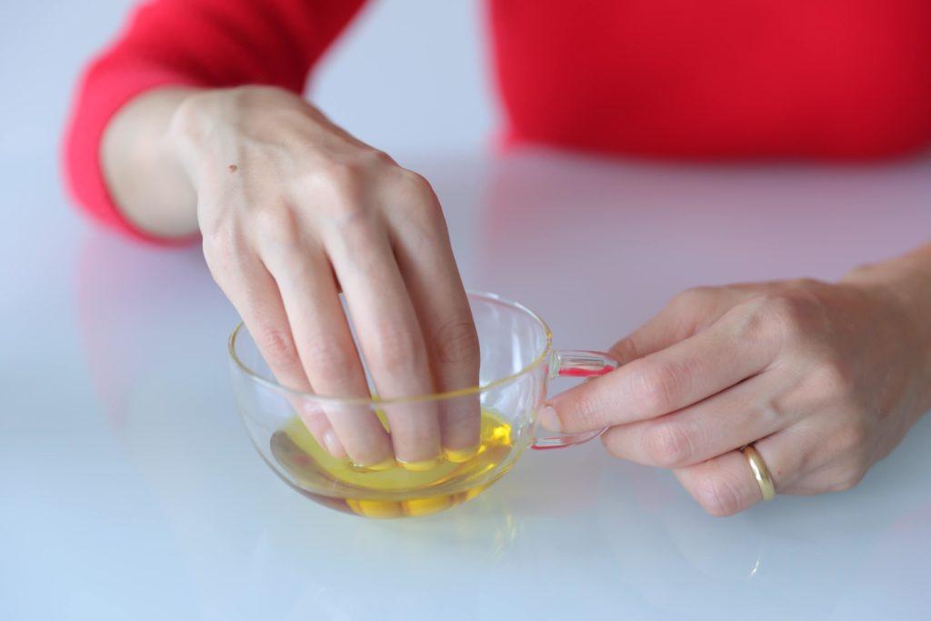 Масляная ванночка для укрепления ногтей