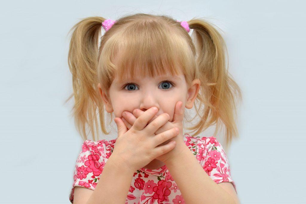 Существует множество причин, почему ребенок не разговаривает