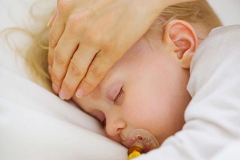 Дифтерия у детей может вызвать серьезные осложнения