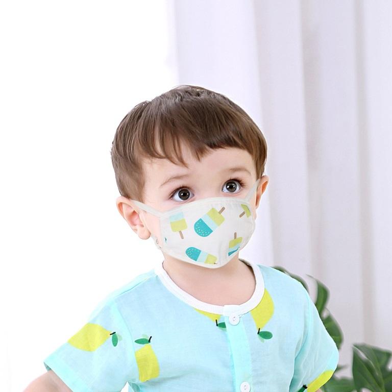 При общении с человеком, больным ангиной, следует надевать медицинскую маску