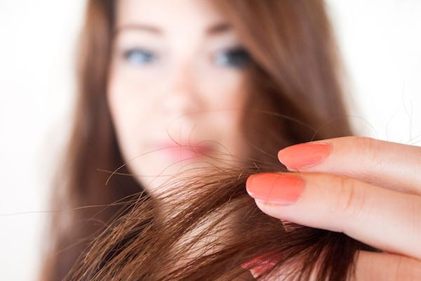 Как убрать секущиеся волосы