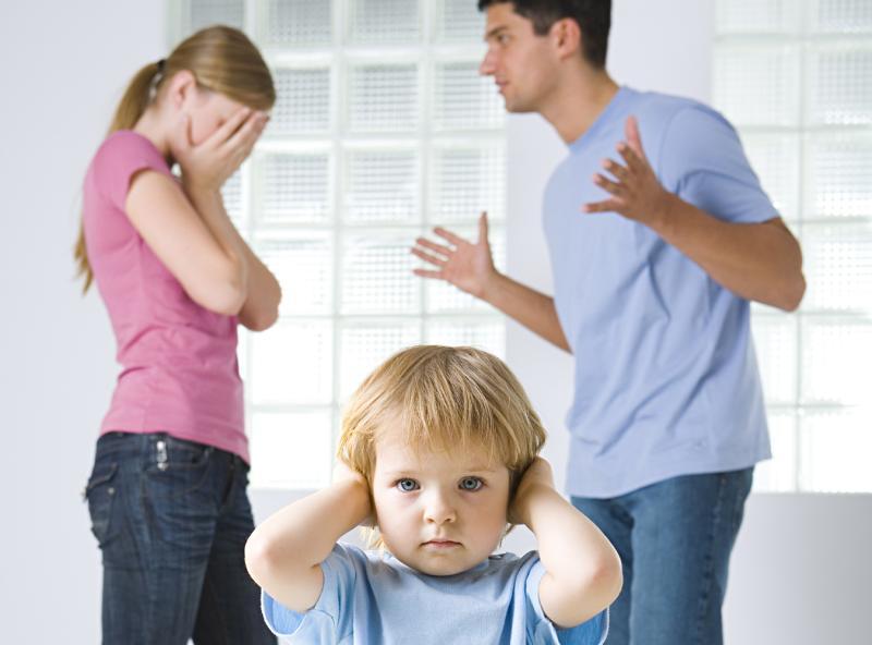 Проблемы в семье негативно влияют на психику ребенка