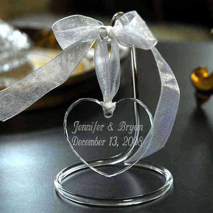Что подарить на стеклянную свадьбу