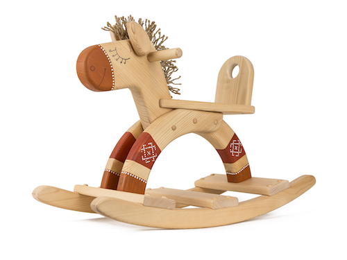 Деревянный конь-качалка