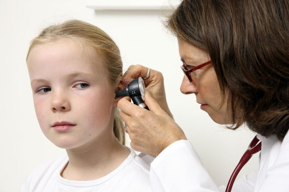 Диагностика отита у ребенка