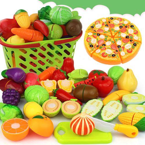 Пластмассовые овощи и фрукты