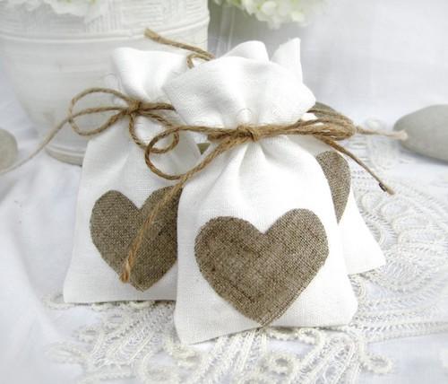 Подарки на льняную свадьбу