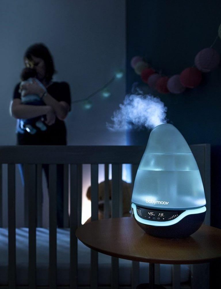 Желательно приобрести для ребенка увлажнитель воздуха