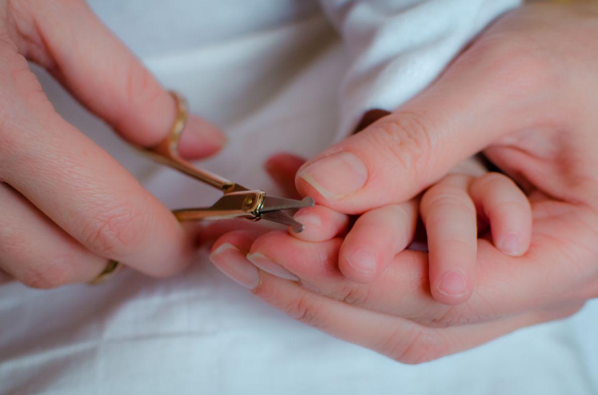 Нужно следить за состоянием ногтей ребенка