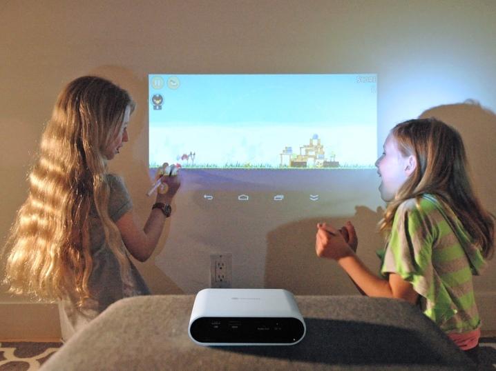 Проектор в детской комнате