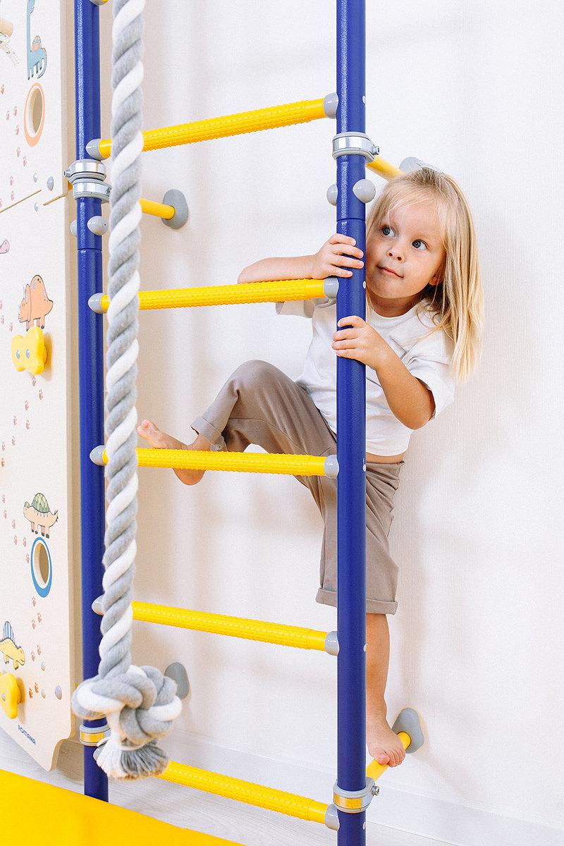 Шведская стенка в детской комнате