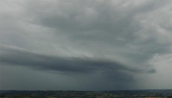 Как выглядят слоисто-дождевые облака