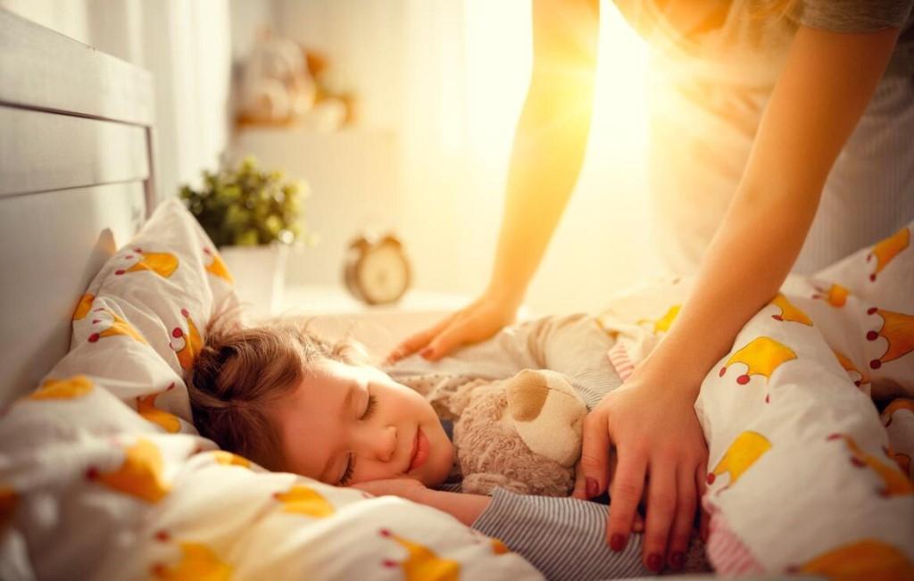Когда нужно выселять ребенка из родительской кровати