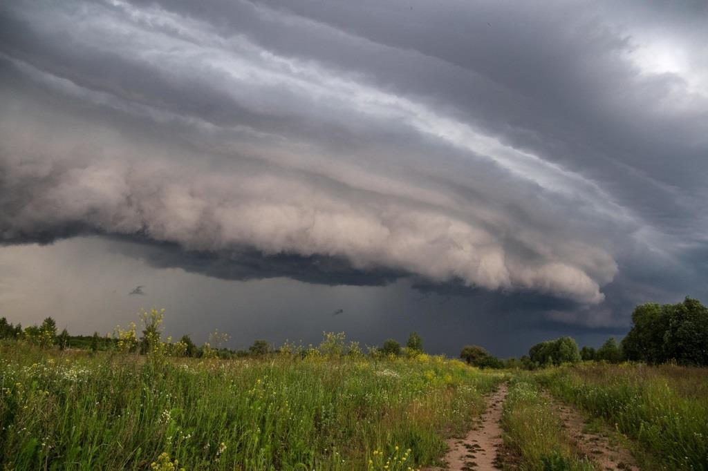 Не всегда возникновение молнии сопровождается дождем