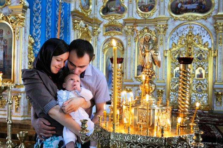 Некоторые священнослужители отказываются крестить детей, рожденных с помощью ЭКО
